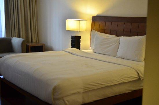 Crown Regency Hotel & Towers:                                     4