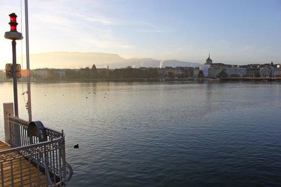 Hotel Admiral Geneva: Lake front a 5 min walk