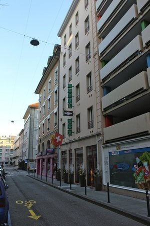 Hotel Admiral Geneva: Hotel exterior