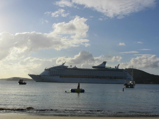 Marriott's Frenchman's Cove:                   Cruise ships leaving - view from building 1
