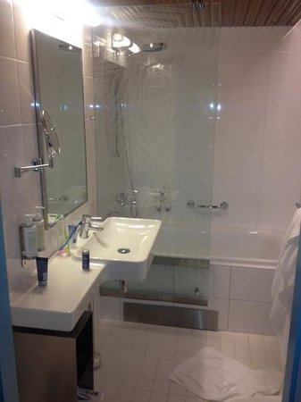 Klaus K Hotel:                   bathroom (standard room)
