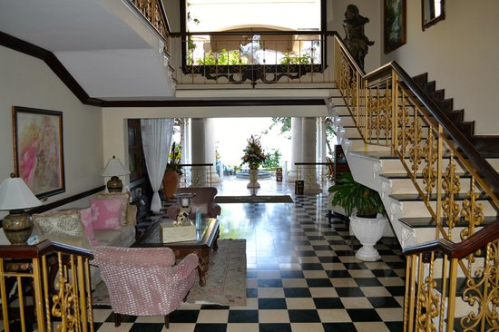 Sandals Royal Plantation:                   The view upon walking into the front door of the Royal Plantation