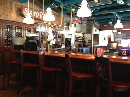 Red Lobster: bar area