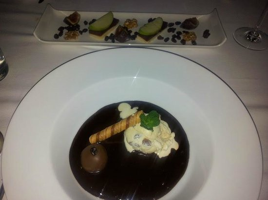 Sabor Brazil:                   chocolate soup with truffle & ice-cream