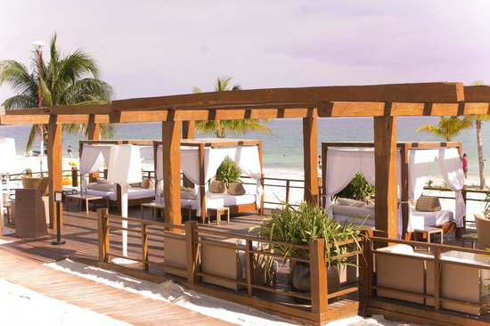 Excellence Playa Mujeres:                   outdoor oplulance