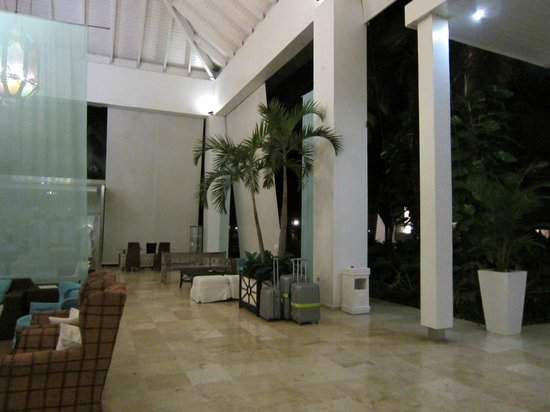 BlueBay Villas Doradas Adults Only:                                     Another view of the Lobby