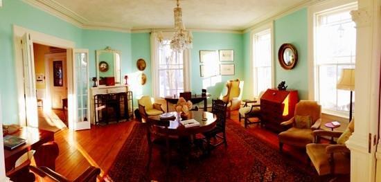 Boscawen Inn:                                     Parlour Room
