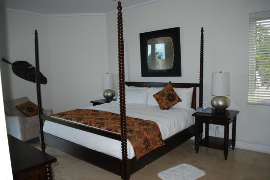 West Bay Club: Master bedroom