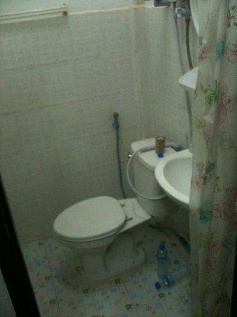 Wat That Guest House :                   salle de bain