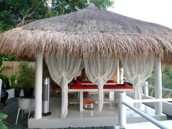 Nami Resort:                   massage area