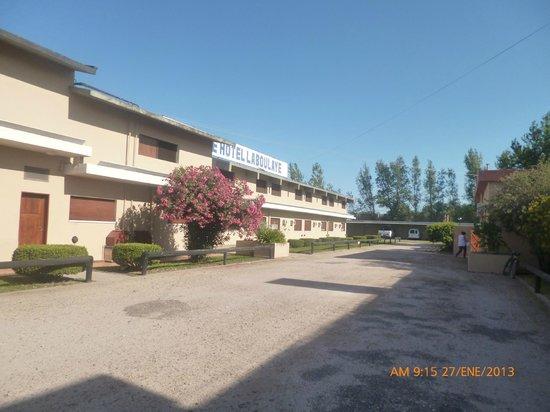 Parque Hotel Laboulaye: Cocheras