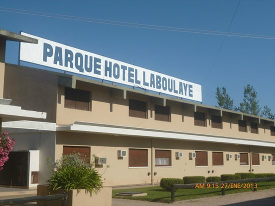 Parque Hotel Laboulaye: Costado del hotel