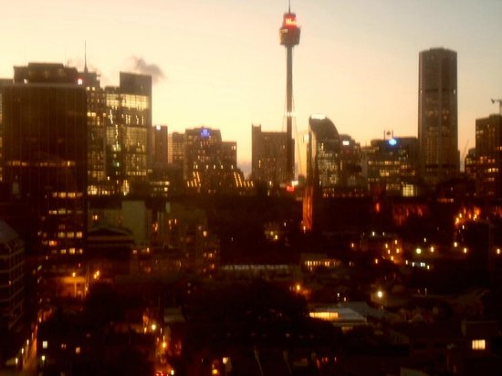 Holiday Inn Potts Point - Sydney:                   Sydney Sunset