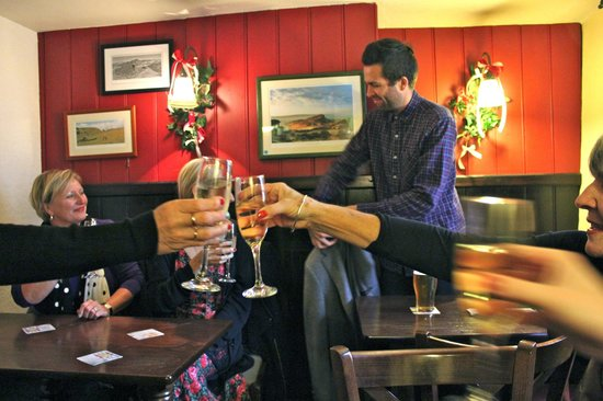 Red Lion at Litton: Free Champagne