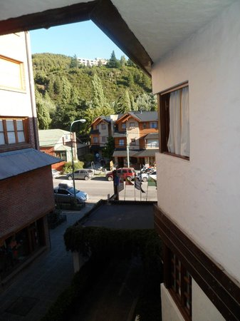 Hotel del Viejo Esquiador: Vista desde hab. 203- Hotel del Viejo Esquiador- San Martín de los Andes 2013.