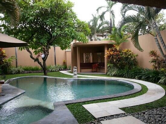 Mutiara Bali Boutique Resort & Villas:                   beautiful grounds of villa 6                 