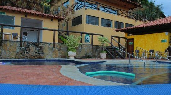 Rio Buzios Beach Hotel: Desde la pileta a la sala de juegos