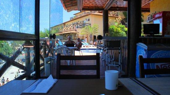 Rio Buzios Beach Hotel: Desde el comedor a la pileta