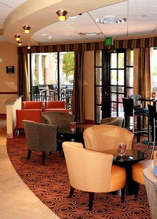 DoubleTree by Hilton Hotel Austin - University Area: C3 Restaurant & Bar