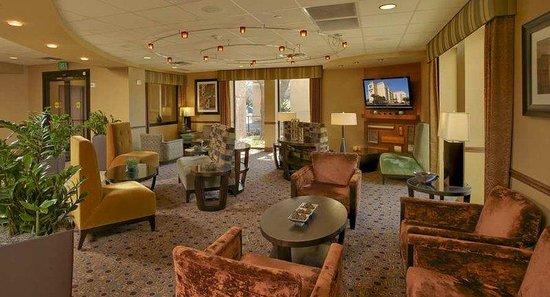 DoubleTree by Hilton Hotel Austin - University Area: Lobby