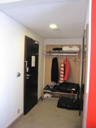 Park Inn Hotel Prague: Closet