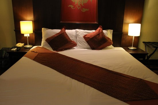 Chiang Mai Gate Hotel:                   bedroom