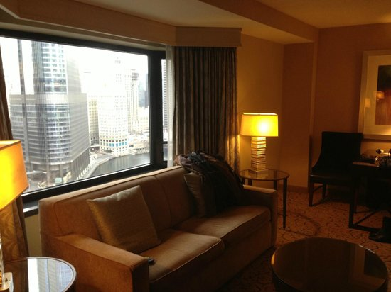 Renaissance Chicago Downtown Hotel:                   Lounge in the suite