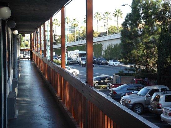 Days Inn Anaheim West:                   vista primer piso