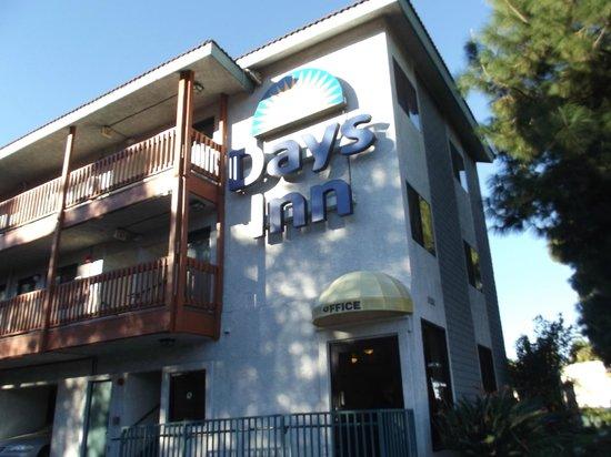 Days Inn Anaheim West:                   fachada