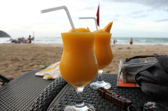 Daluyon Beach and Mountain Resort:                   Mango Shake by the Beach