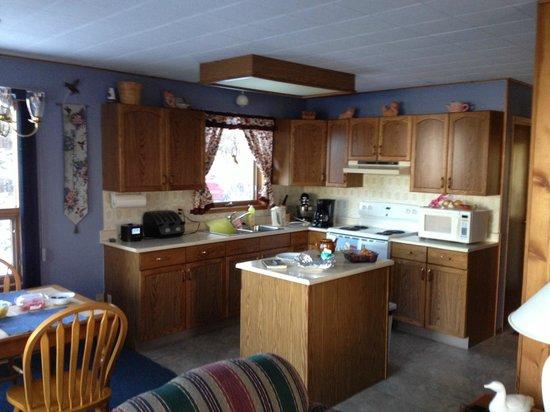 Barrier Bay Resort: Kitchen