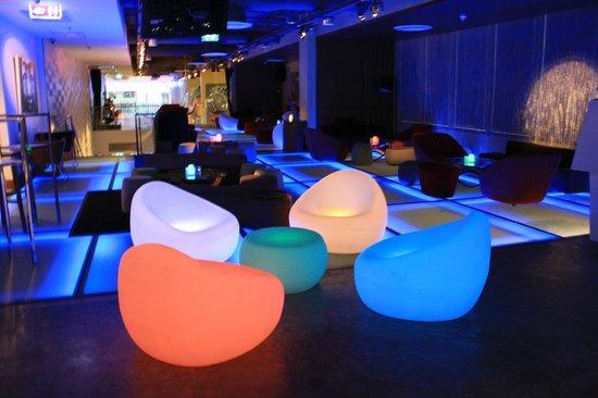 Aloft Bangkok - Sukhumvit 11: WXYZ Bar