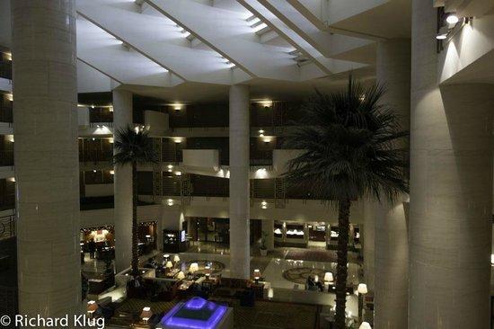 Sheraton Dubai Creek Hotel & Towers :                                     Lobby from above