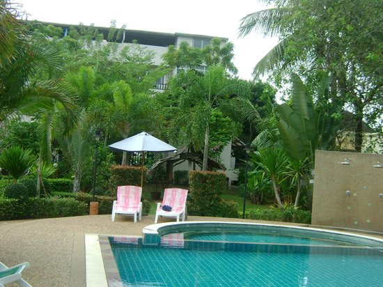 Thip Residence Boutique Hotel :                                     the view surrounding the pool area
