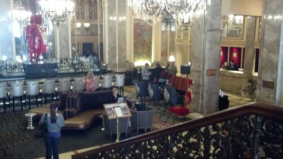 Sir Francis Drake Hotel - a Kimpton Hotel:                                     Hotel Lounge/Lobby