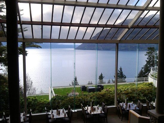 Mercure Resort Queenstown:                                                       View from the lobby above the restaurant,