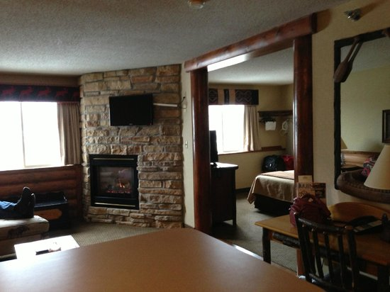 Stoney Creek Inn:                   Expanded King with Fireplace!   Awesome