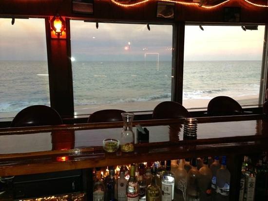 Ocean Grill Restaurant : Ocean View from the bar