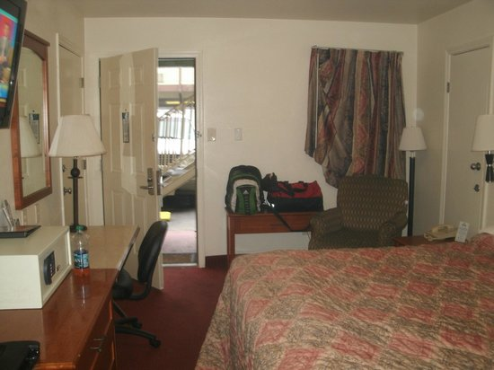 Days Inn Austin/University/Downtown: Room (upon leaving)