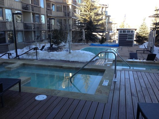 The Westin Snowmass Resort: hot tub and pool
