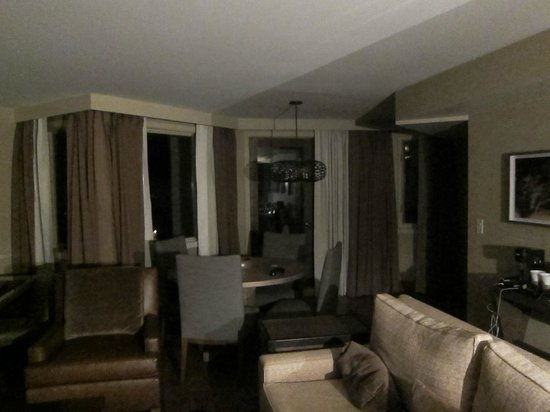 The Westin Snowmass Resort: living room