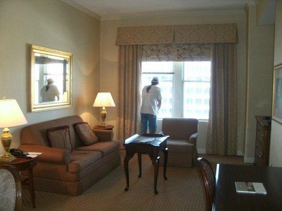 The Georgian Terrace Hotel: Living Area