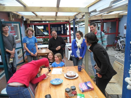 A Plus Backpackers Lodge: birthday cakes made