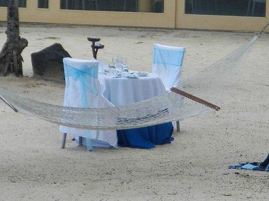 Sanctuary Rarotonga-on the beach: candlelit dinner for 2 on the beach