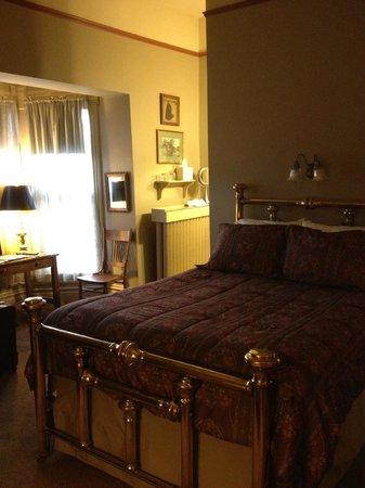Sanders - Helena's Bed and Breakfast:                                     at the doorway looking in