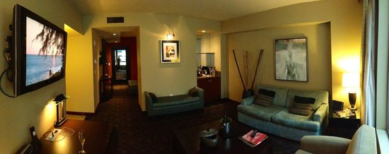 Loews Hotel 1000, Seattle:                   Grand Luxe Parlor Suite 1207