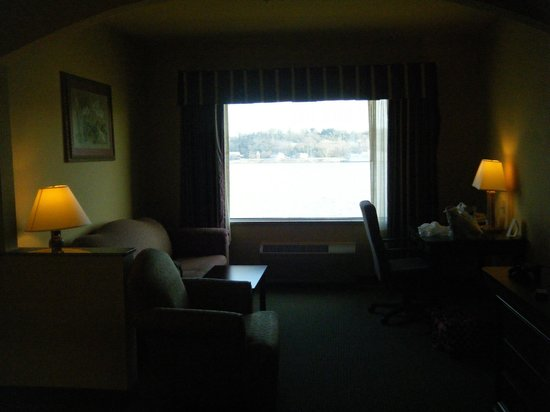 Comfort Suites: The view from across the room