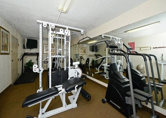 Quality Inn University: Exercise facilities