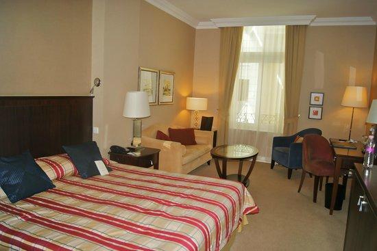 Corinthia Hotel Budapest:                   Atrium Queen Room