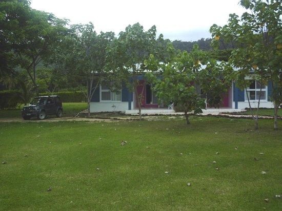 Benjor Beach Club:                   2 bedroom vila